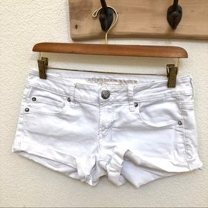 American Eagle Stretch White Denim Cuff Short Sz 6